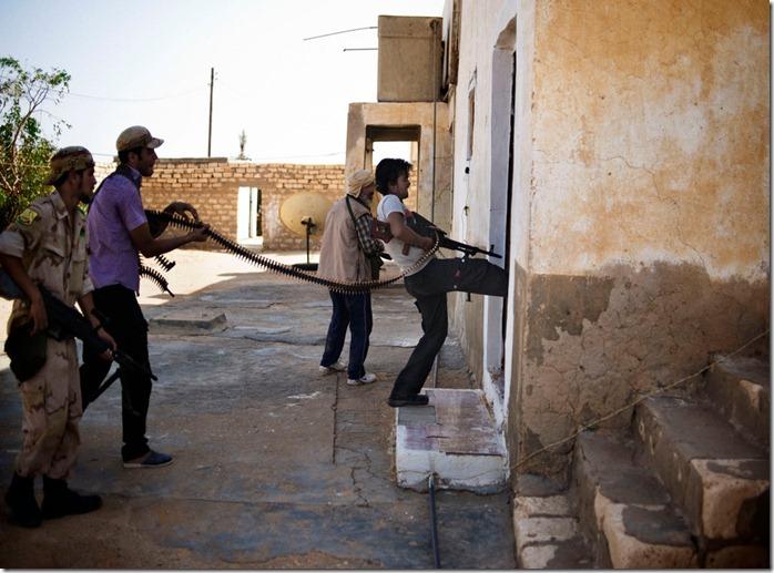 LIBYA-72820110-HouseFighting